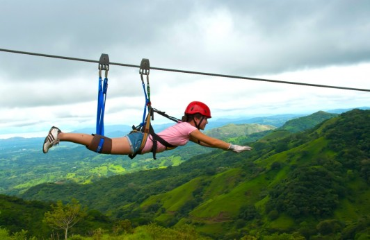 Fly as Superman with zipline!